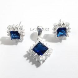 Conjunto Dije y Aros Rombo Zirconia Azul y Blanco